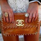 クラッチバッグで簡単に叶う結婚式の上品オシャレコーデ4法則