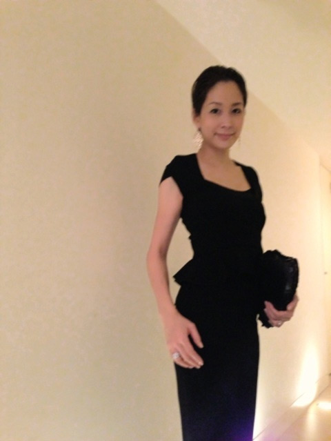 内田恭子さんのドレスコーディネート