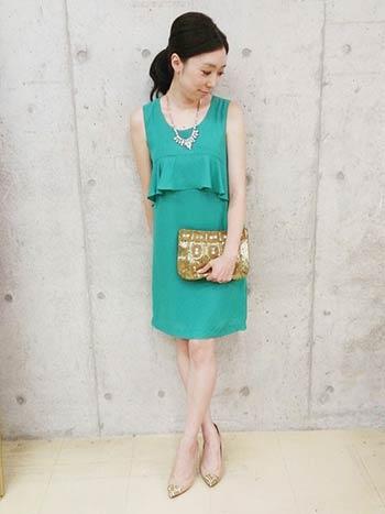 グリーンのドレスの差し色コーディネート参考画像2