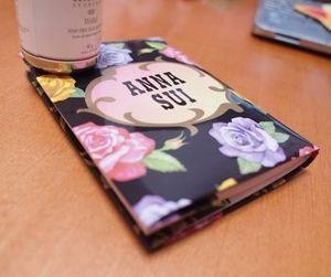ANNA SUI(アナスイ)の袋をブックカバーにDIY参考画像1