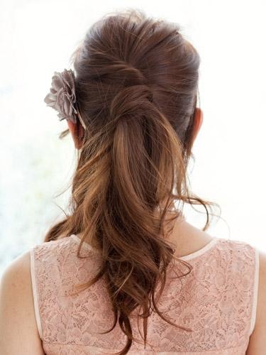 自分で簡単にできる髪型 ロングヘアのハーフアップねじりアレンジ2-2-3