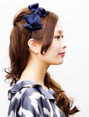 自分で簡単にできる髪型 ロングヘアのハーフアップねじりアレンジ3-2-2