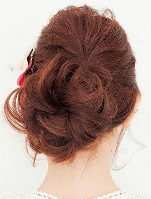自分でできる髪型 ロングヘアのお団子アップスタイル2-9-3