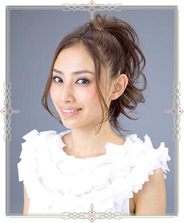 自分でできる髪型 ロングヘアのポニーテールアップスタイル3-6-1