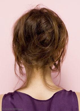 自分でできる髪型 ロングヘアのポニーテールアップスタイル3-8-3