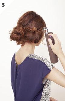 自分でできる髪型 ロングヘアのクルクルとまとめてアップスタイル4-2-2