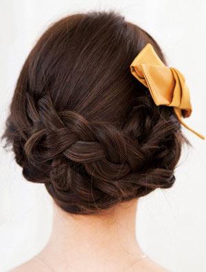 自分でできる髪型 ロングヘアの編み込みアップスタイル1-5-3