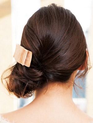 自分でできる髪型 ミディアムヘアねじるハーフアップスタイル3-6-3