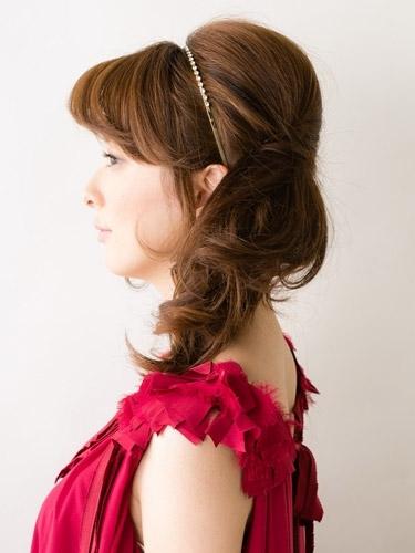 自分でできる髪型 ミディアムヘアねじるハーフアップスタイル3-9-2