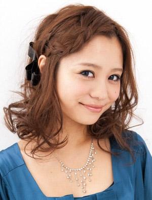 自分でできる髪型 ミディアムヘア編み込みハーフアップスタイル4-2-1