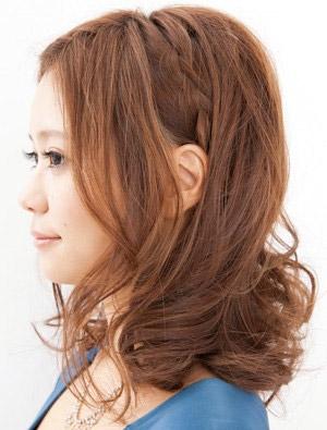 自分でできる髪型 ミディアムヘア編み込みハーフアップスタイル4-2-2