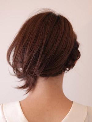 自分でできる髪型 ミディアムヘア編み込みハーフアップスタイル4-5-3