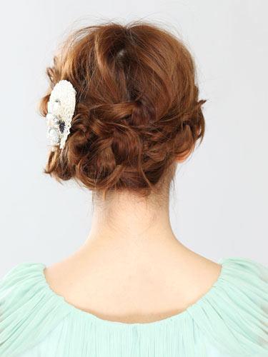 自分でできる髪型 ミディアムヘア編み込みアップスタイル2-1-3