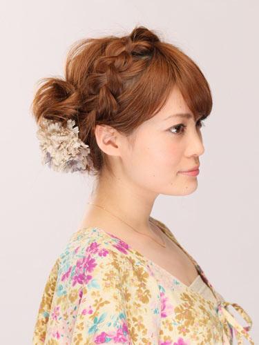 自分でできる髪型 ミディアムヘアねじるアップスタイル2-6-2