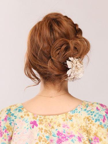 自分でできる髪型 ミディアムヘアねじるアップスタイル2,6,3