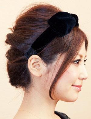 自分でできる髪型 ミディアムヘアねじるアップスタイル2-7-2