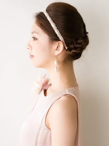 自分でできる髪型 ミディアムヘアねじるアップスタイル2-8-2