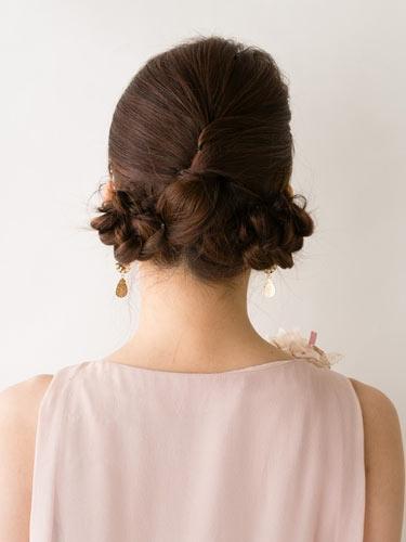 自分でできる髪型 ミディアムヘアねじるアップスタイル2-8-3
