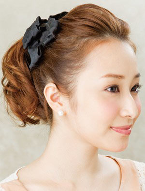 自分でできる髪型 ミディアムヘアポニーテールアップスタイル3-2-2