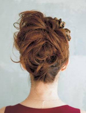 自分でできる髪型 ミディアムヘアポニーテールアップスタイル3-5-3