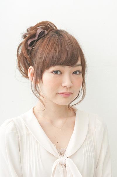 自分でできる髪型 ミディアムヘアポニーテールアップスタイル3-7-1