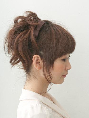 自分でできる髪型 ミディアムヘアポニーテールアップスタイル3,7,2