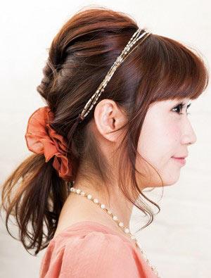 自分でできる髪型 ミディアムヘアポニーテールアップスタイル3-8-2