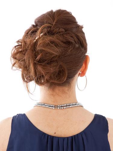 自分でできる髪型 ミディアムヘアねじるアップスタイル7-3