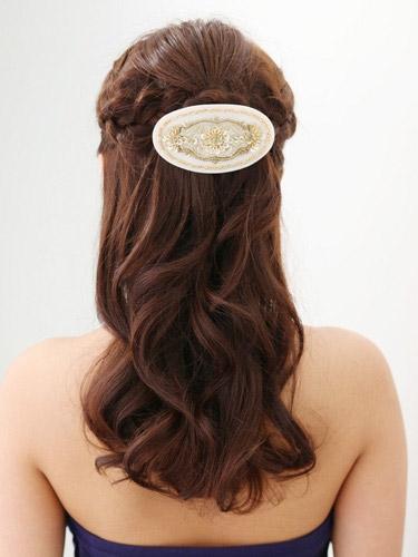自分でできる髪型 セミロングヘアの編み込みハーフアップスタイル3-2-3