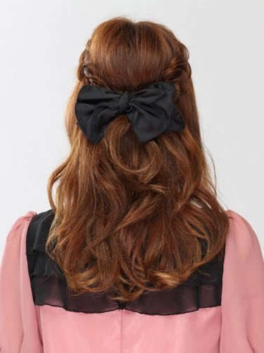 自分でできる髪型 セミロングヘアの編み込みハーフアップスタイル3-6-3