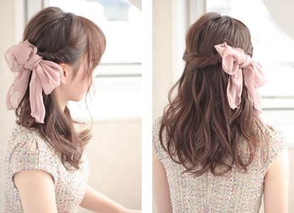 自分でできる髪型 セミロングヘアのねじりハーフアップスタイル1-3-2