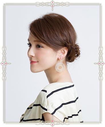自分でできる髪型 セミロングヘアの編み込みアップスタイル1-4-1