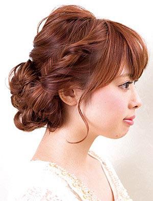 自分でできる髪型 セミロングヘアのねじりアップスタイル2-2-2