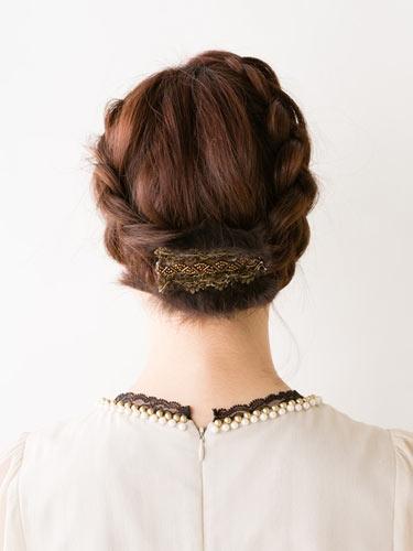 自分でできる髪型 ショートヘア編み込みでアップスタイル1-3